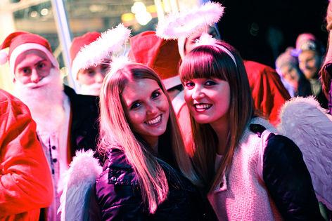 Zwei Engerl beim Ö3-Weihnachtswunder
