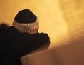 Ein jüdischer Mann mit Kippa