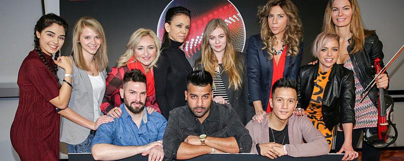 Gruppenfoto der elf Künstler