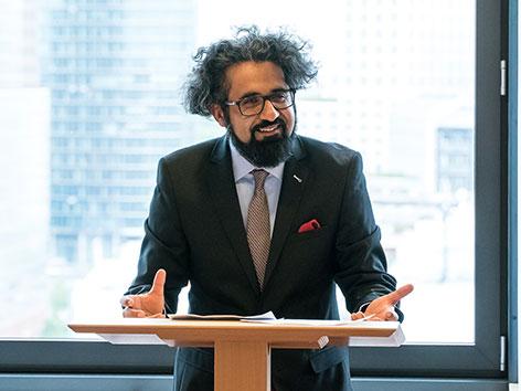 Islamwissenschaftler und Autor Ahmad Milad Karimi