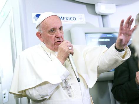 Papst Franziskus auf dem Heimflug von Mexiko