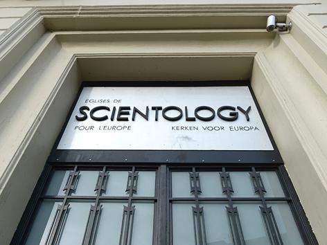Das Portal der Scientology-Kirche in Brüssel