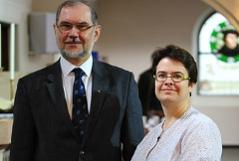 Superintendent Hermann Miklas und die Leobner Pfarrerin Julia Moffat