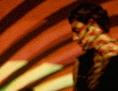 Tänzer im LSD-Muster