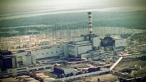 Eine Luftaufnahme des völlig zerstörten Reaktorblocks 4 des Atomkraftwerks Tschernobyl.