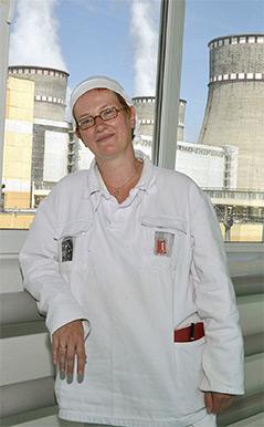 Die Historikerin Anna Veronika Wendland im ukrainischen Kernkraftwerk Rivne im Mai 2015
