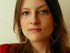 Porträtfoto der Kulturwissenschaftlerin Beatrice Frasl