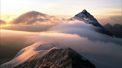 Über Österreich: Der Osten und der Westen