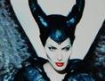 """Kinoleinwand, auf der ein Still des Films """"Maleficent"""" zu sehen ist"""