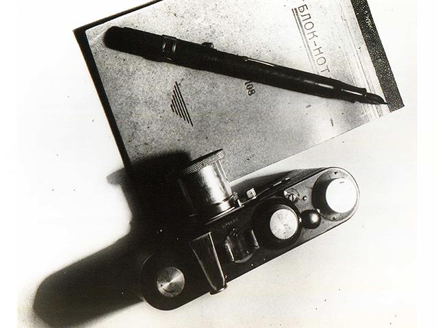 Rodtschenkos Fotografie von Notizblock und Leica