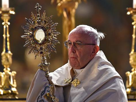 Papst Franziskus feiert die Fronleichnamsmesse in der Basilika Santa Maria Maggiore