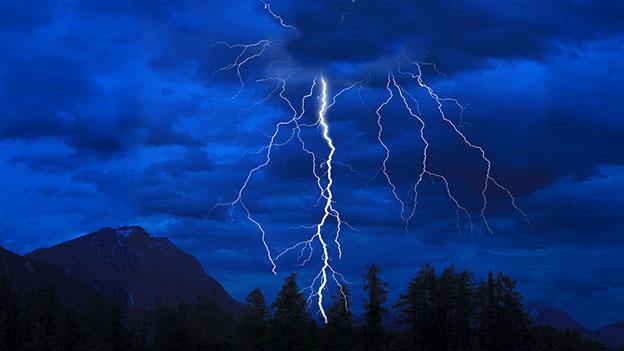 Gewitter über der Hohen Munde in Tirol