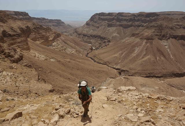 Freiwilliger archäologischer Helfer am Toten Meer