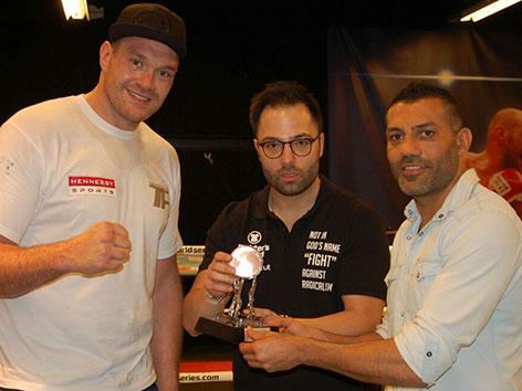Box-Schwergewichts-Weltmeister Tyson Fury mit Thaibox-Weltmeister Foad Sadeghi