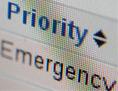 """Computerbildschirm auf dem u.a. """"Emergency"""" und """"Priority"""" steht"""
