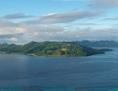 Luftaufnahme: Insel im Ozean