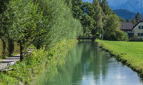 Der Almkanal im Süden der Stadt Salzburg