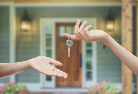 Servicethema Mieten Kaufen Wohnen Wohnungsschlüssel- Bild