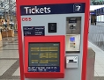 ein Ticketautomat von ÖBB und VOR im Bahnhof