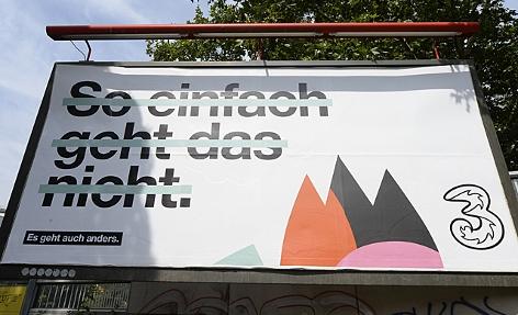 ein Werbeplakat des Mobilfunkers Hutchison Drei