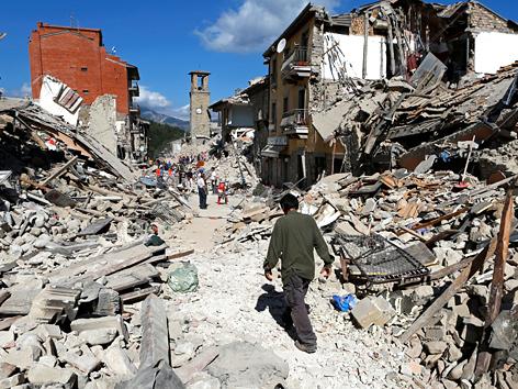 Zerstörungen durch das Erdbeben in Mittelitalien