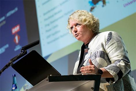 Angelika Eggert, Charité, Berlin hält in Alpbach einen Vortrag