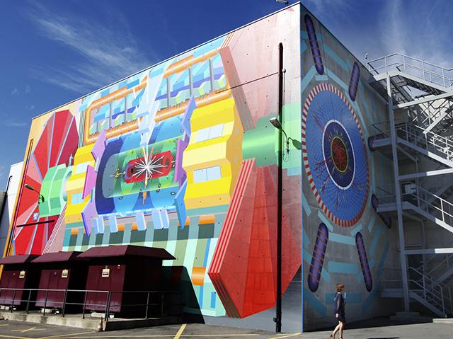 Fassadenmalerei des Künstlers Josef Kristofoletti am CERN 2012