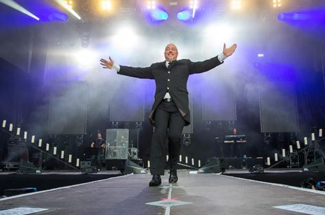 Der Graf von Unheilig auf der Bühne
