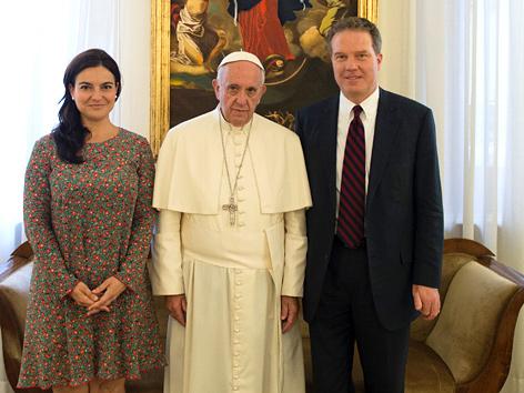 Papst-Sprecher Burke überraschend zurückgetreten