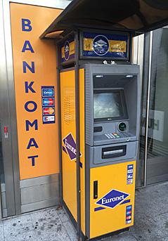 Ein Bankomat der Firma Euronet