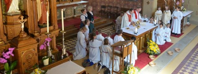Altarraum während der Gabenbereitung