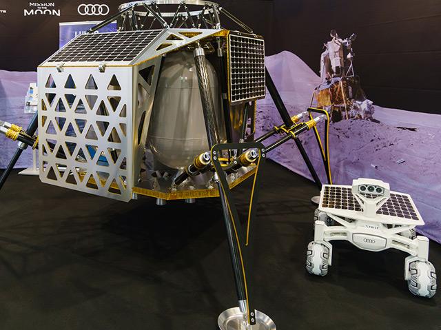 """Die Landeeinheit """"Alina"""" und der Rover """"Audi lunar quattro""""."""