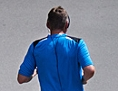 Jogger und Radfahrer mit Kopfhörern