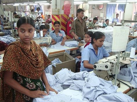 Näherinnen in einer Bekleidungsfabrik in Bangladesch