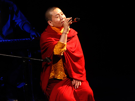 Die buddhistische Nonne und Sängerin  Ani Choying Drolma