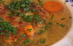 Kaspressknödel aus Saalfelden in der Suppe