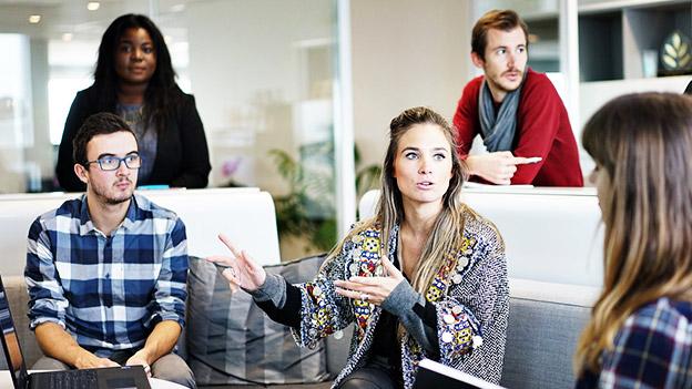 Menschen in einem Büro