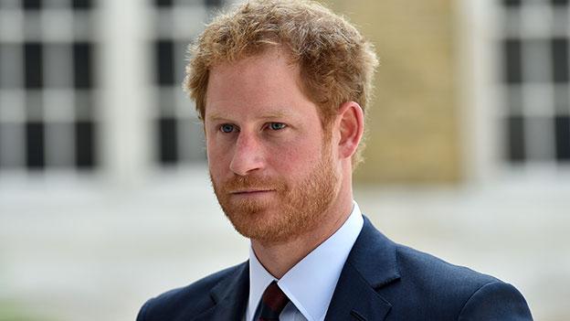 Prinz Harry mit ernstem Blick
