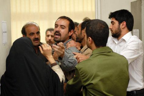 Nader und Simin - eine Trennung    Originaltitel: Jodaeiye Nader az Simin (IRN 2011), Regie: Asghar Farhadi.