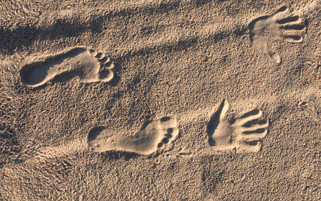 Abdrücke von Füßen und Händen