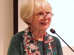 Die Frauenforscherin Ute Gerhard bei einem Vortrag an der Uni Wien