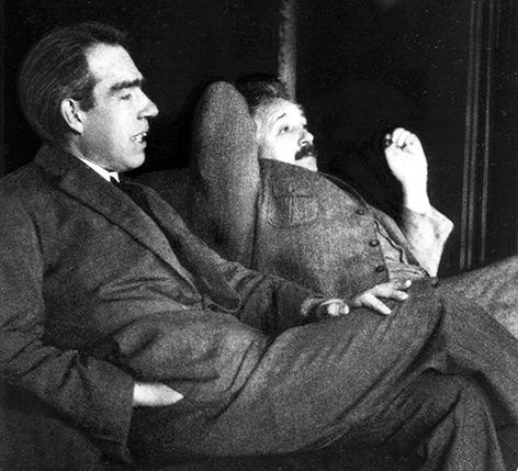 Niels Bohr und Albert Einstein im Jahr 1925