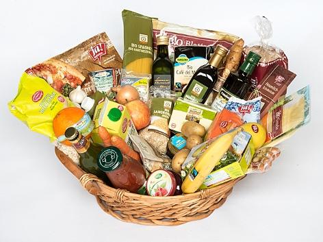 Ein Warenkorb mit Bioprodukten