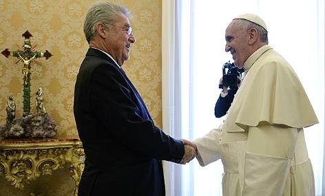 Heinz Fischer traf Papst Franziskus 2014 im Vatikan in Rom
