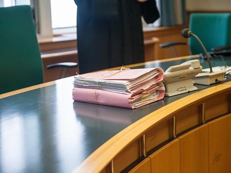 Das Innere eines Gerichtssaals