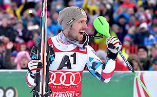 Marcel Hirscher feiert seinen Kitz-Sieg.