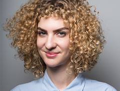 Porträtfoto der Soziologin Laura Wiesböck