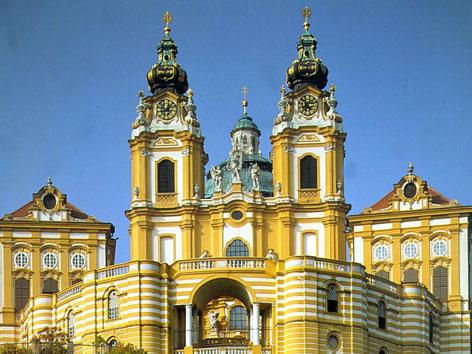 Blick auf die Stiftskirche Melk