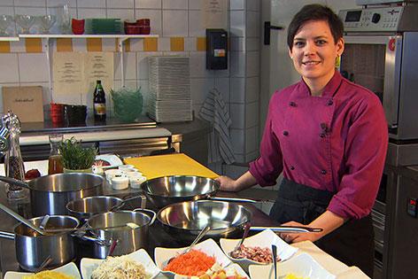 Maria Haigermoser in der Küche des Gasthauses Schichlreit