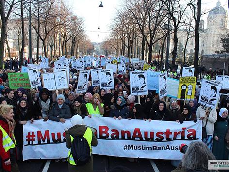 """MuslimBan"""": Demo von und für muslimische Frauen - religion.ORF.at"""